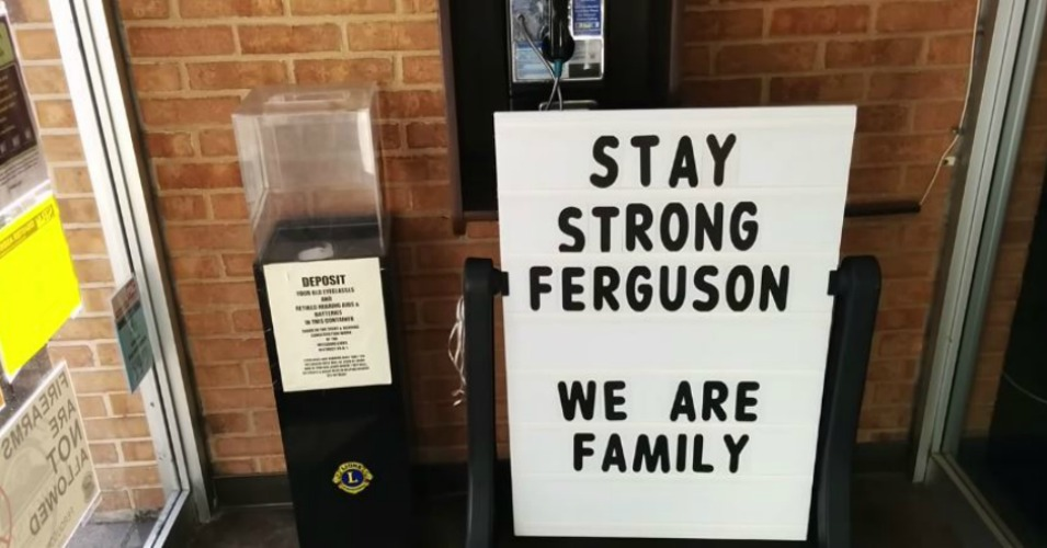 love-each-other-support-floods-in-for-ferguson-public-library