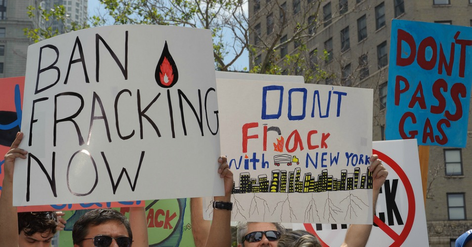 At an anti-fracking rally in New York in 2011. The state has since banned fracking entirely. (Photo: Adrian Kinloch/flickr/cc)