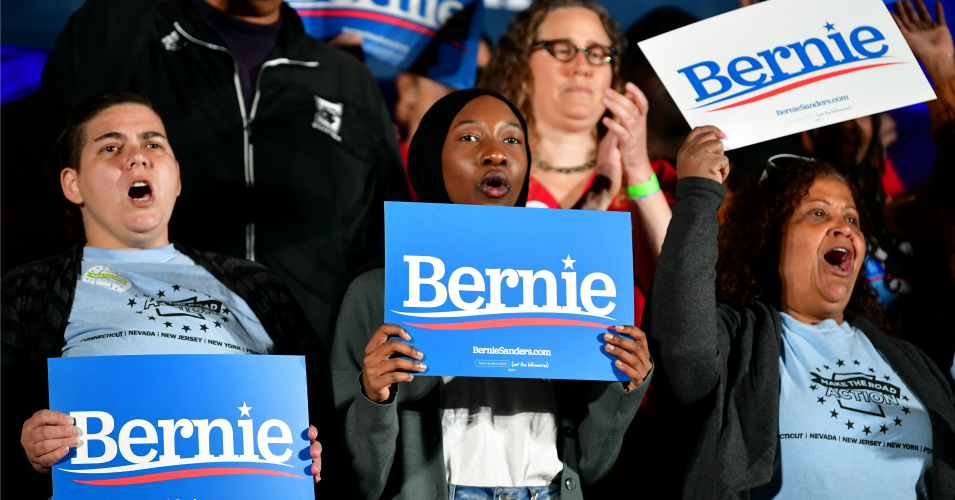 Amid Establishment Onslaught, New Sanders Ad Declares: 'There Are More of Us. We Are Stronger. We Will Wait No Longer'