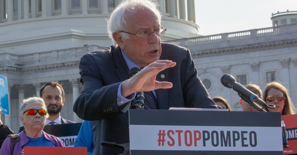 """""""I Apologize to No One"""" for Opposing Disastrous US Wars in Vietnam and Iraq, Says Bernie Sanders"""
