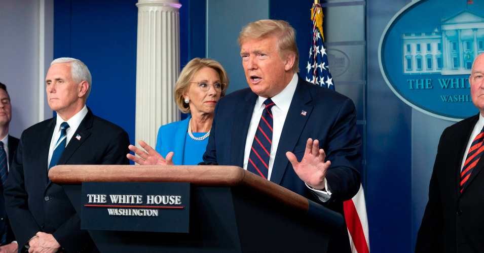 Trump Accused of Suppressing CDC Warning That Full School Reopenings Pose 'Highest Risk' of Covid-19 Spread