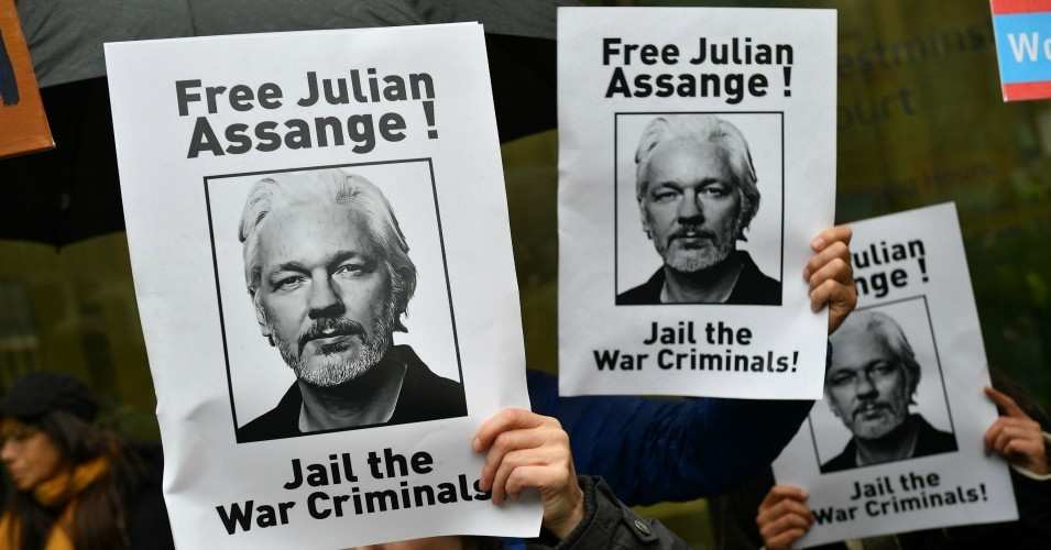 "Drop Charges and Extradition Pursuit of Assange, Says Amnesty International, Denouncing US Govt's ""Full-Scale Assault on the Right to Freedom of Expression"""