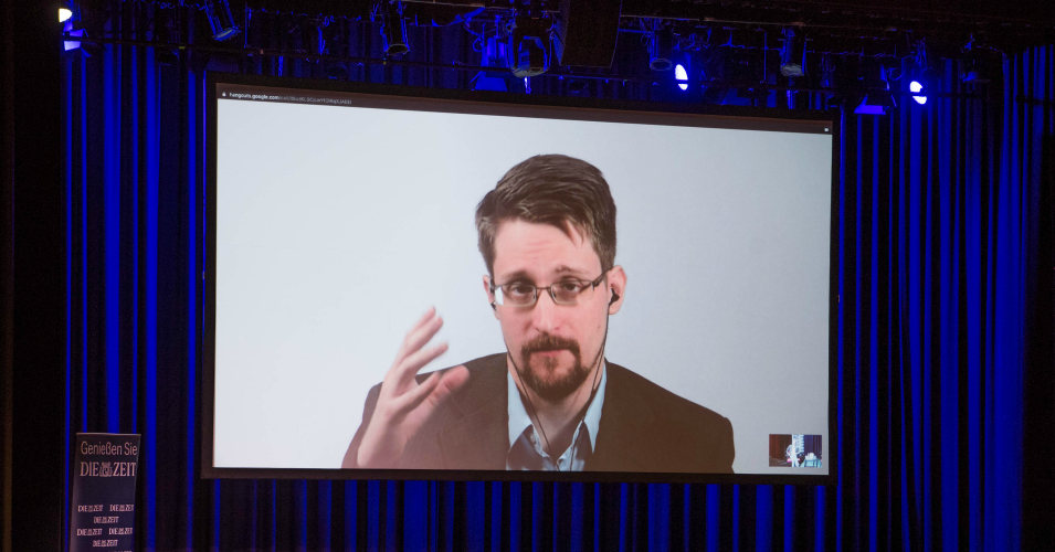 'Whoa,' Says Edward Snowden as Sanders Vows to End Prosecution of