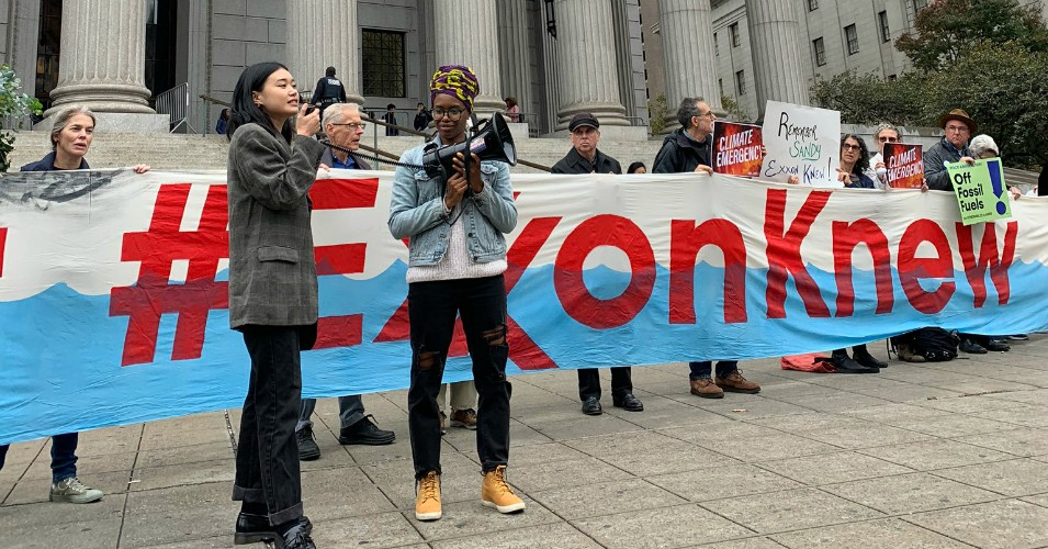Supporters of the New York Attorney General's case against ExxonMobil gathered outside the New York County Supreme Court on Oct. 22. (Photo: Lindsay Meiman/Twitter)