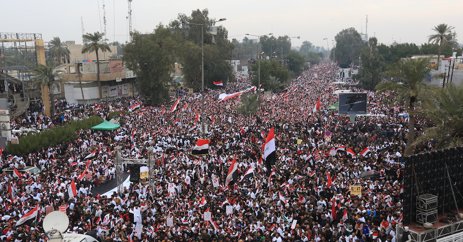 'Iraq for Iraqis': Hundreds of Thousands Flood Streets of Baghdad to Demand US Military Leave Country