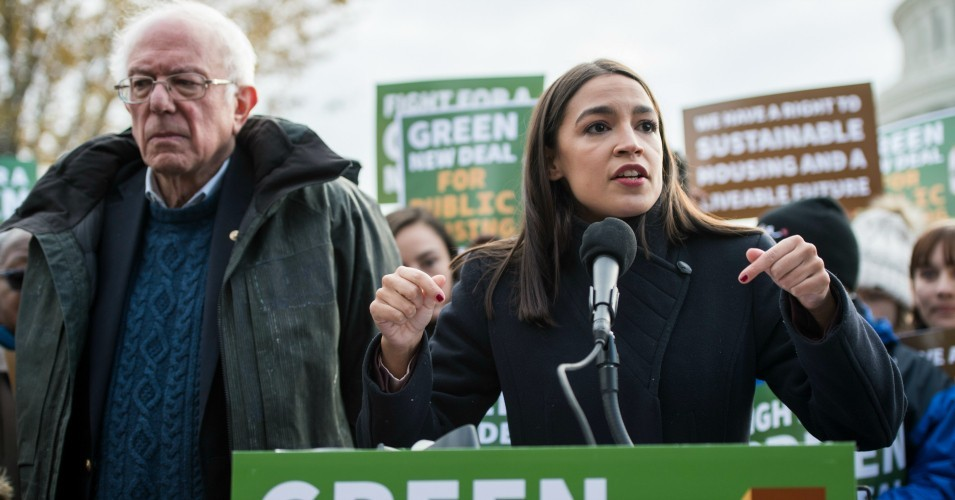 Over 570 Groups Endorse Sanders and Ocasio-Cortez's Fracking Ban Act as 'Essential and Urgent Climate Action'
