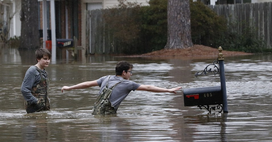 """""""This Thing Isn't Over Yet"""": Officials Warn Flooding in Mississippi and Tennessee to Continue"""