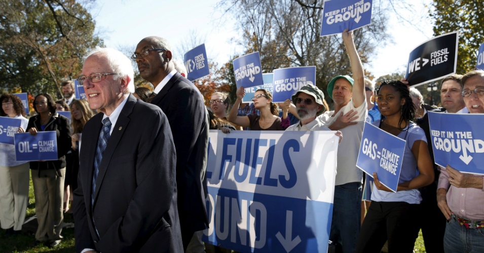 Bernie Sanders 'Raises the Bar Even Further' on Climate With Vow to Ban Fracking, All New Fossil Fuel Projects