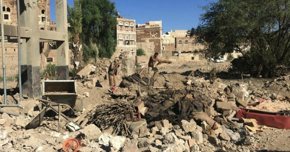The aftermath of a bombing that killed 13 civilians in Sanaa's Old City, a UNESCO World Heritage site, pictured on September 18, 2015. (Photo: Belkis Wille/Human Rights Watch)