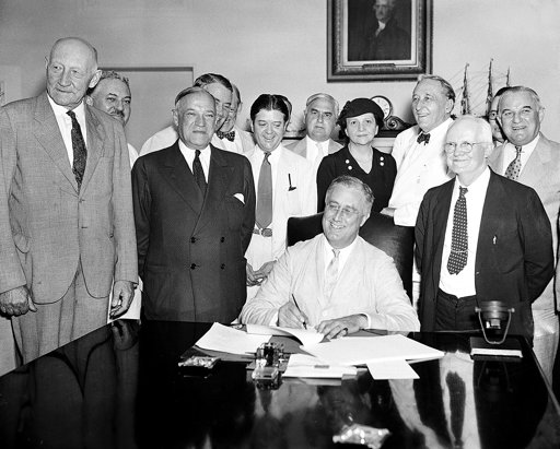 how franklin roosevelt handled the banking system Emergency banking act national employment system act quotes regarding the new deal by franklin d roosevelt i pledge you.