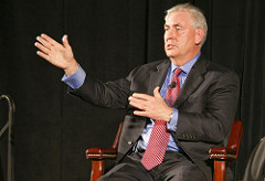 ExxonMobil CEO Rex Tillerson speaking in 2009. (Photo: William Munoz/flickr/cc)