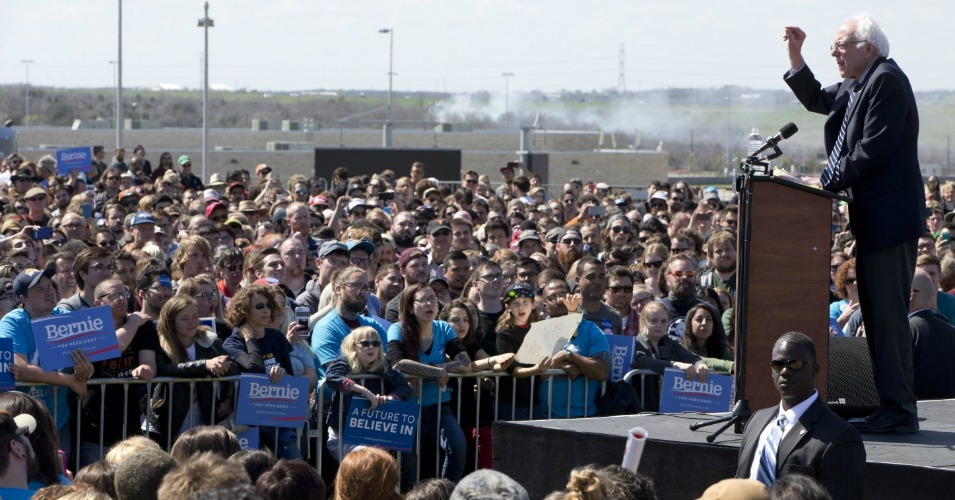 More than 10,000 turned out to see Bernie Sanders speak in Austin, Texas on Saturday. (Photo: AP)