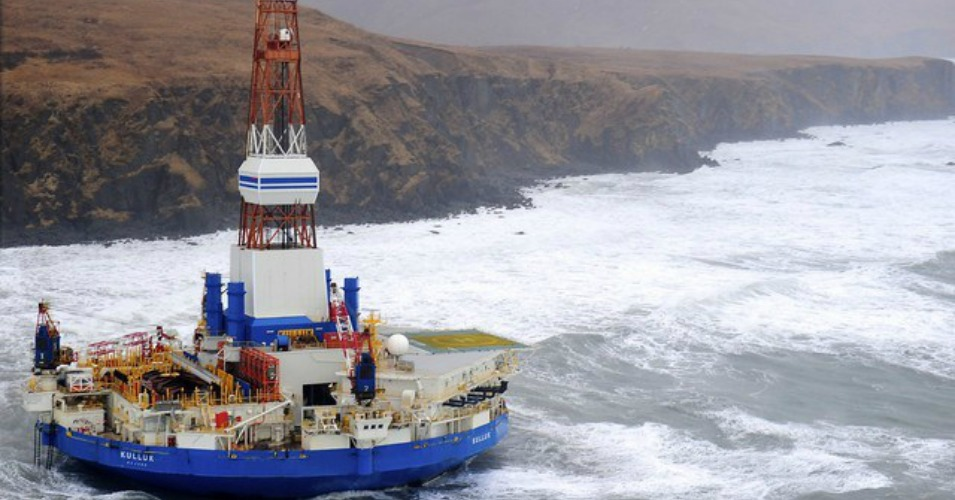 On December 31, 2012, the Kulluk, a Shell drilling vessel, drifted aground off Sitkalidak Island in the Gulf of Alaska. (Photo: Day Donaldson/flickr/cc)