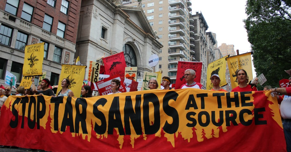 """Stop Tar Sands At The Source"" (Common Dreams: CC BY-SA 3.0 US)"