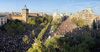 Hundreds of thousands of people filled Barcelona's streets on Tuesday to protest Spanish police forces' militant response to the independence vote on Sunday. (Photo: @CatalansforYes/Twitter)