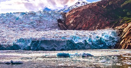 TheSawyer Glacier in Alaska, July 2016. The Arctic is enduring unprecedented warming this year, affecting Alaska and Greenland specifically. (Photo: Ian Keating, Flickr)