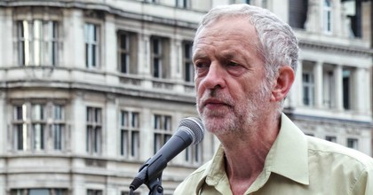 Islington North MP Jeremy Corbyn speaks at a No More War demonstration in London in 2014. (Photo: Garry Knight/flickr/cc)