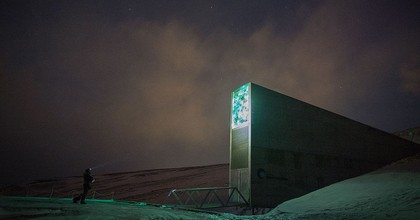 Dusk at the Svalbard Global Seed Vault. (Photo: Frode Bjorshol, Flickr)