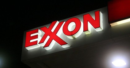 An Exxon sign in Framingham, MA. (Photo: Brian Katt, Wikimedia Commons)