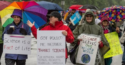 Demonstrators walk during the 2017 March for Science. (Photo: Mobilus In Mobili/flickr/cc)