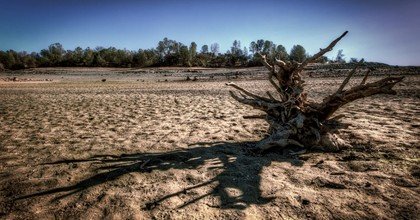 A parched Folsom Lake, as seen in January 2014. (Photo: Morgan Murphy/flickr/cc)