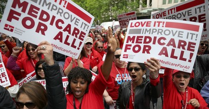 Protesters supporting 'Medicare for All' hold a rally outside PhRMA headquarters April 29, 2019 in Washington, D.C. (Photo: Win McNamee/Getty Images)