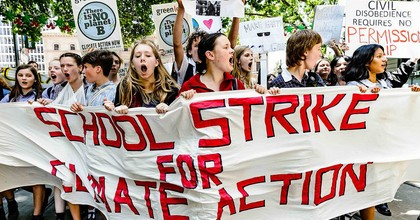 Students in Melbourne, Australia, strike for climate in November 2018. (Photo: Julian Meehan, Flickr)