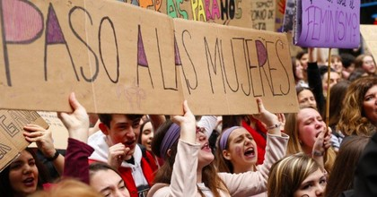 Women in Spain staged a nationwide walkout on Thursday to mark International Women's Day, abandoning all paid and unpaid work and bringing mass transit and other systems to a grinding halt. (Photo: @TheLocalSpain/Twitter)