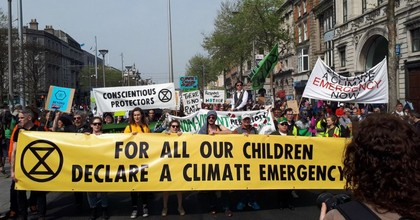 The Irish Parliament declared a climate emergency on Thursday after campaigning by the grassroots group Extinction Rebellion. (Photo: @ExtinctRebelsIE/Twitter)