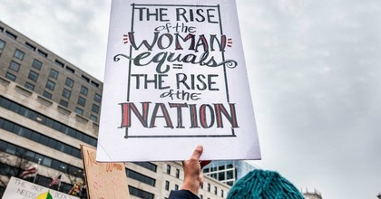 A demonstrator carries a a sign at the 2019 Women's March. (Photo: Hillel Steinberg/Flickr/cc)
