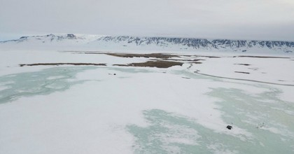 The Zackenberg valley in Northeast Greenland, summer 2018. Huge amounts of snow still covered the ground in late June, where the snow-covered season usually is coming to an end. (Photo: Lars Holst Hansen)