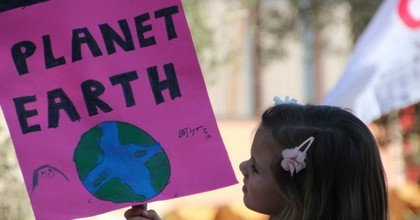 Twenty-one young adults and children will take their case to trial on October 29, alleging the U.S. government has knowingly contributed to the climate crisis. (Photo: Takver/flickr/cc)
