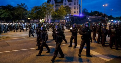 Hamburg police used a water cannon on G20 Summit protesters July 4, 2017. (Photo: Morris MacMatzen/Stringer/Getty)