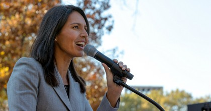 Rep. Tulsi Gabbard (D-Hawaii) attends a rally for social and economic justice and equality at the Upper Senate Park of the U.S. Capitol in Washington, D.C. (Photo: Lorie Shaull/Flickr/cc)