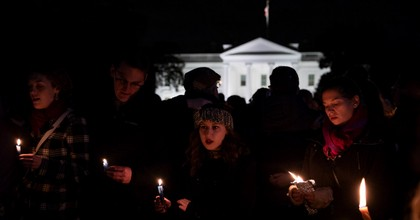 Vigil participants hold candles and sing a Jewish prayer during a Havdalah vigil for the victims of the Tree of Life Congregation shooting in front of the White House on Oct. 27, 2018. (Photo: Alex Edelman/Getty Images)