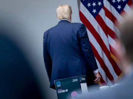 trump_leaves_afp_gettyimages-1212730277_