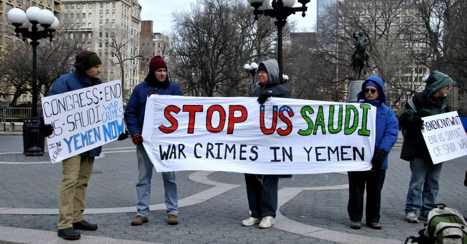 Protesters last month demanded that Congress put a stop to the United States' support of the Saudi-led coalition in the war in Yemen. (Photo: Felton Davis/Flickr/cc)