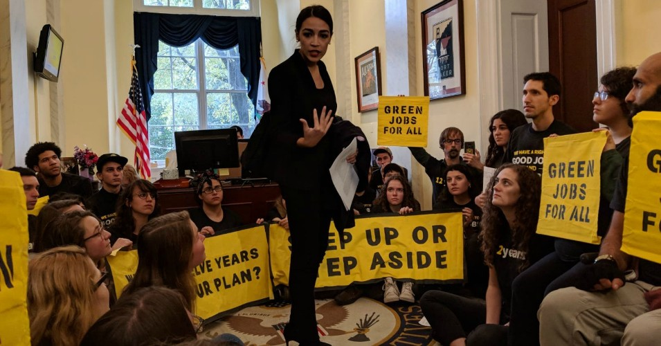 Democratic Congresswoman-elect Alexandria Ocasio-Cortez of New York joined climate activists occupying the office of Nancy Pelosi, who is expected to serve as the next speaker of the House. (Photo: Waleed Shahid/Twitter)