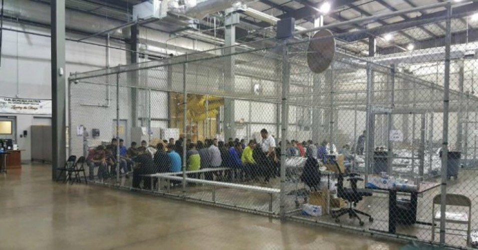 """Trump intentionally manufactured this humanitarian crisis in a craven attempt to gain leverage in a legislative fight,"" CREDO Campaign Manager Nicole Regalado said in a statement on Monday. (Photo: U.S. Customs and Border Patrol)"