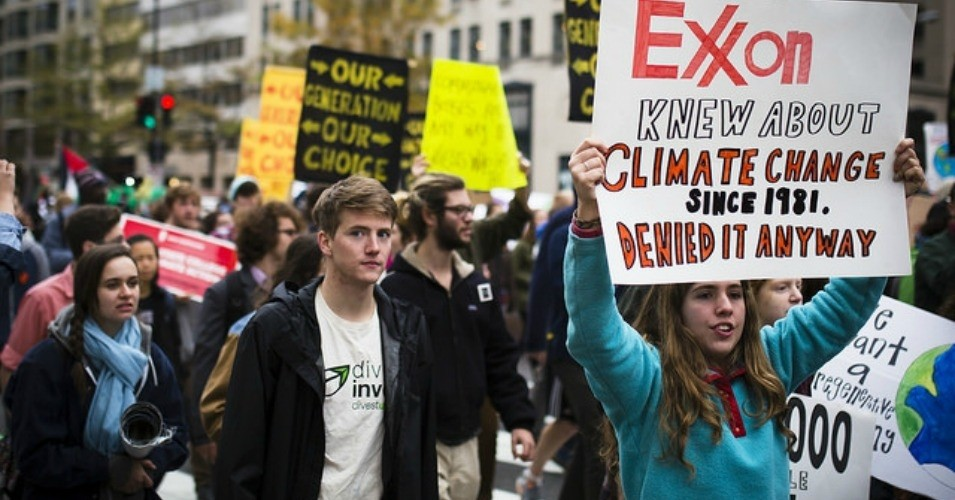 Activists protested after it was made public that ExxonMobil for years deliberately tried to hide the truth about the impact of greenhouse gas emissions. (Photo: Johnny Silvercloud/cc/flickr)