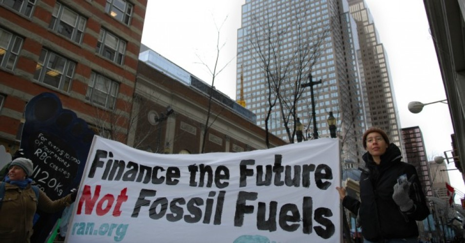 Climate groups applauded HSBC's announcement that it is moving away from fossil fuels. (Photo: ItzaFineDay/flickr/cc)