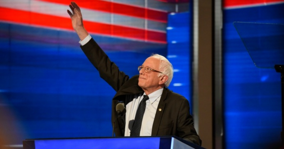 Bernie Sanders (I-Vt.) waves to the cheering crowd during the 2016 Democratic National Convention. (Photo: Disney/ABC News/flickr/cc)