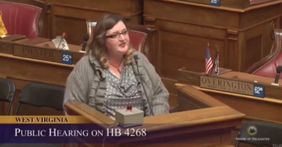 West Virginia House of Delegates candidate Lissa Lucas was hailed as a model for congressional candidates across the nation after she read off the names of politicians taking money from the oil and gas industry. (Photo: Facebook/Screengrab)