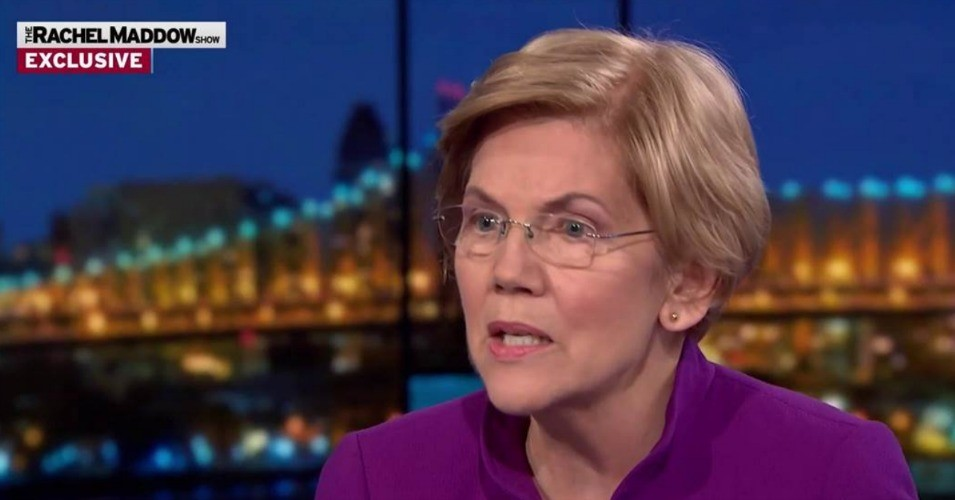 "On ""The Rachel Maddow Show"" Wednesday night, Sen. Elizabeth Warren (D-Mass.) said that all Democratic presidential candidates should pledge to run grassroots, people-funded campaigns in 2020. (Photo: @cahulaan/Twitter)"