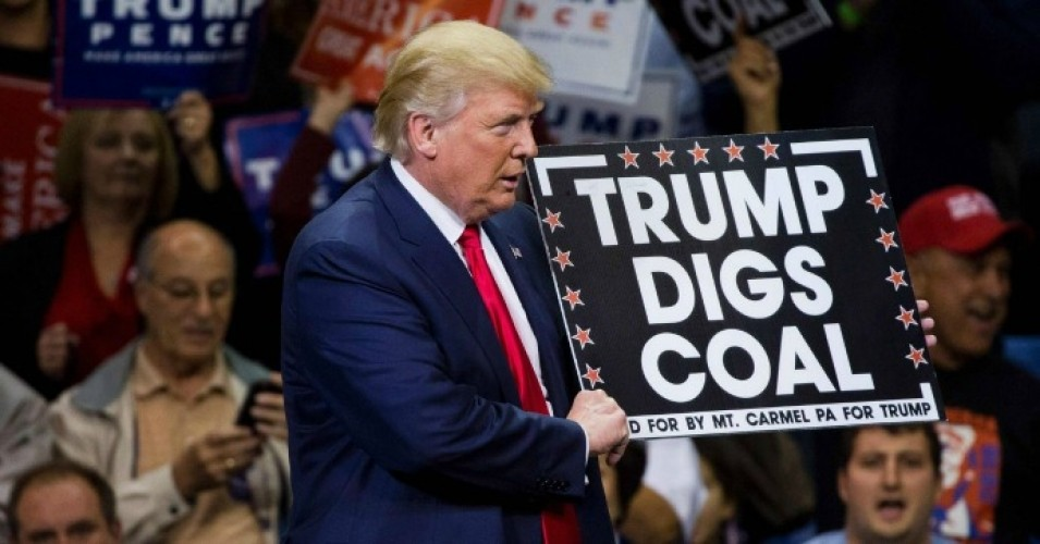 President Donald Trump has ordered the Energy Department to craft a plan to bail out at-risk coal and nuclear energy plants. (Photo: AFP/Getty Images)