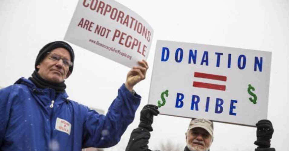 Thirty-five new Democratic members of Congress pledged not to accept corporate PAC money, but the Democratic National Committee refused to ban such donations this week. (Photo: Getty)