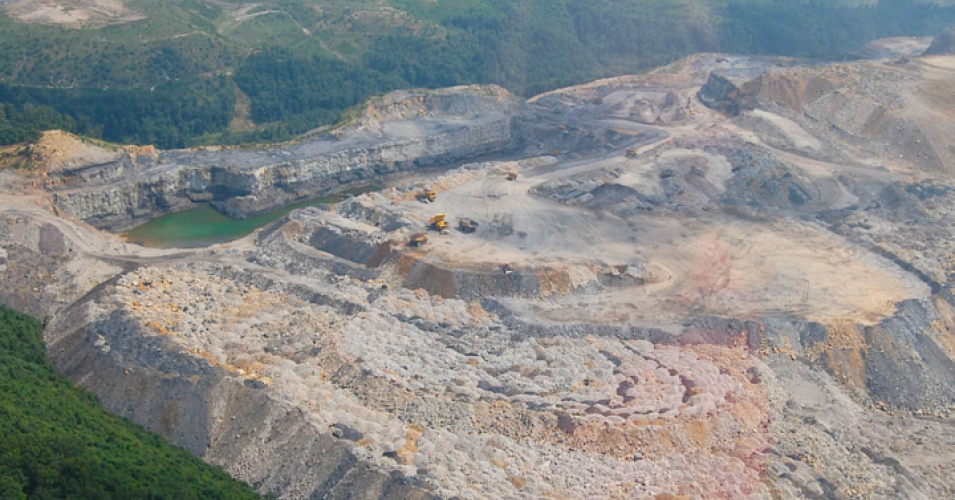 """This is a victory for communities whose land, water, and way of life is threatened by new coal mining,"" Earthjustice said of a federal ruling against the president's attempt to open up coal mining on public lands. (Photo: Maria Gunnoe Flight, courtesy of southwings.org)"