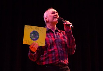 Raffi during a conert in New York City on Concert April 28th, 2013. (Photo: Moms Clean Air Force/CC BY-NC-SA 2.0)
