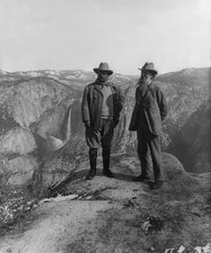 President Theodore Roosevelt and naturalist John Muir on Glacier Point, Yosemite National Park, 1906. Library of Congress/Wikipedia