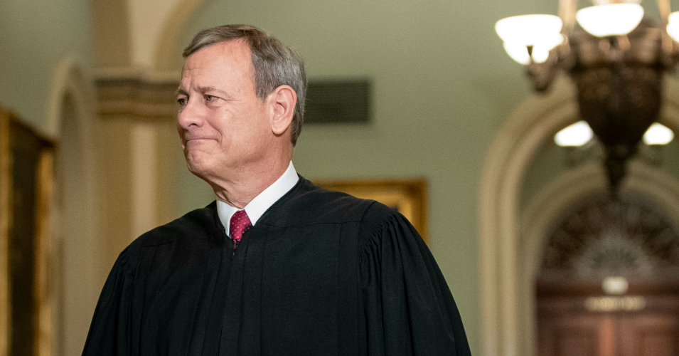 Let Chief Justice John Roberts Cut the Gordian Knot of Trump's